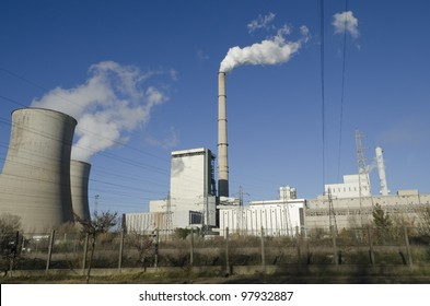 thermal power plant with chimneys