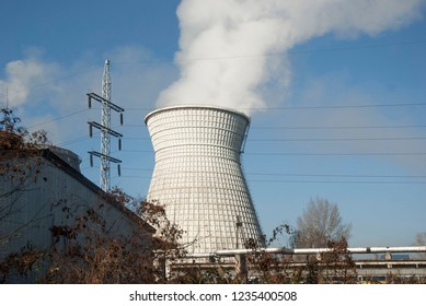 Thermal power plant  with smokestack