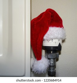 Thermostat, Heating control in Santa Claus hat