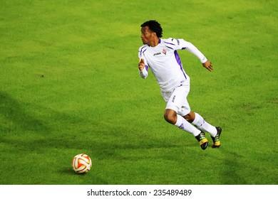 THESSALONIKI, GREECE - NOV 12, 2014 : Guardado of Fiorentina during the UEFA Europa League match Paok vs Fiorentina.