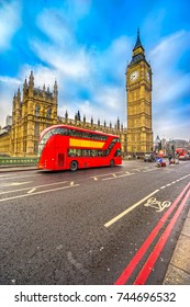 Thge Big Ben, House of Parliament and double-decker bus, London, UK