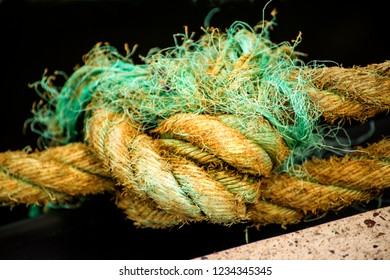 thick, braided ship rope