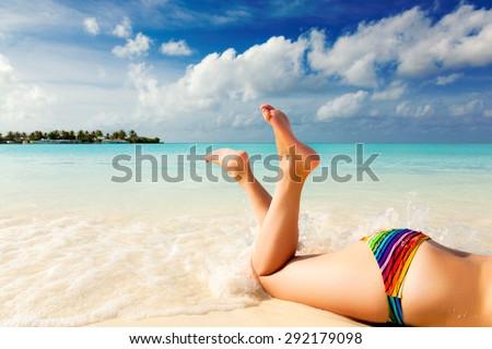 Jessica simpson ass bikini