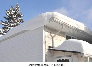 Thick snow in roof