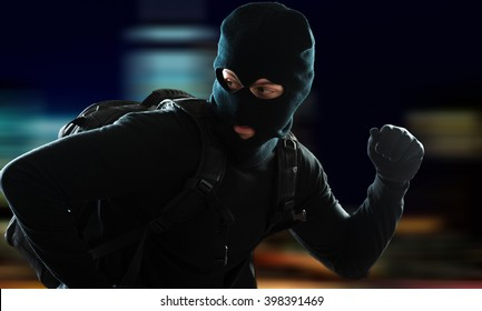 Thief escaping