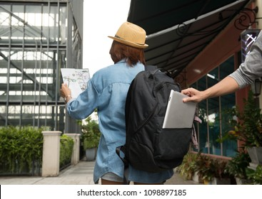 Thief steal tablet in backpack from alone women traveler,Danger of negligence