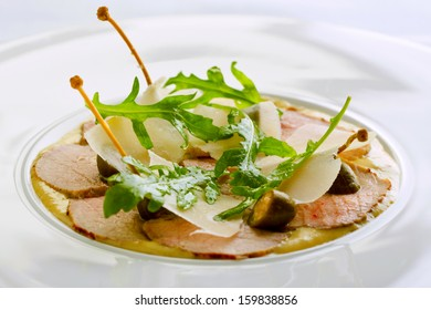 thin veal slices with tuna sauce