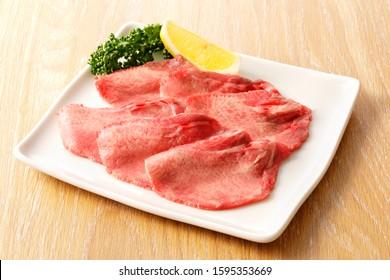 Thin-cut Gyutan (Sliced beef tongue)