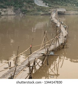 Thinking about how difficult has to be to build and remove this bamboo bridge every year. If you want cross the bridge you have to pay 10.000 kip. This money goes to family who built the bridge.