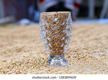 this a beutifull Cristal Glass  With Graps Seed
