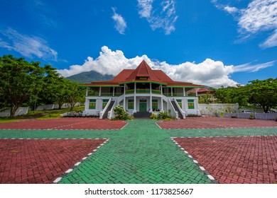 This building called Keraton Sultan Tidore (Sultanate Of Tidore) where the sultan live in this house. I took this picture when i was in Tidore Island in North Maluku, Indonesia in May, 20,2018.