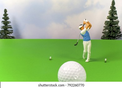 This eye catching golfing image will draw attention to your golf course or golf tournament. It has plenty of room for your text, phone number and golf special pricing. Golfer with golf ball in flight.