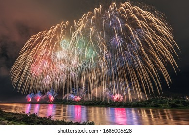 This is the fireworks festival at Odiya city in Niigata prefecture, Japan.