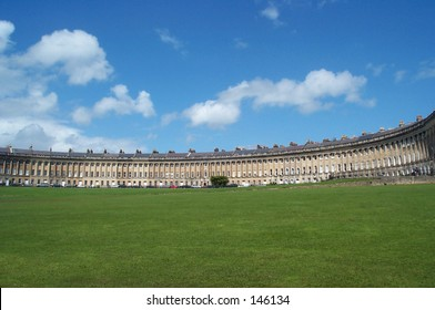 This is an image of the Royal Crescent in Bath England.