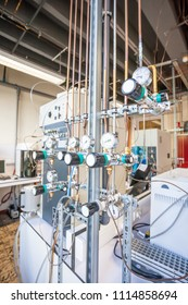 in this lab there are manometers for concentrated laboratory gases