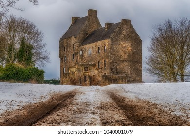 This is Midhope Castle, West Lothian, better known as Outlander's Lallybroch.
