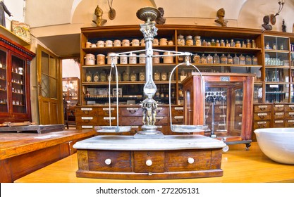 this pharmacy museum in 1730 Trademarks are very old and long lost relevance in our time The museum is open for visits Photo video allowed