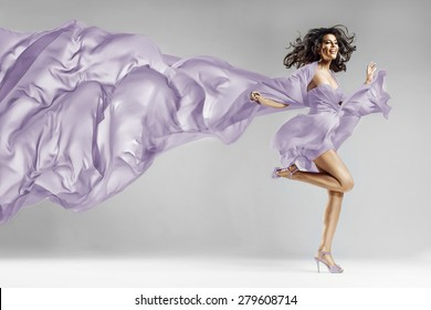 This photo has cut contours Dress! (in Photoshop)