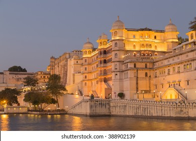 This photo was shot from Udaipur city at twilight time. Udaipur city palace was built over a period of nearly 400 years being contributed by several kings of the dynasty.