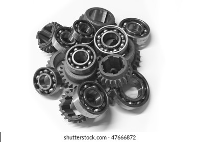 This photo shows the gears and bearings.