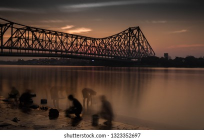 This Photo was taken in the evening of January, 2019 to capture the daily life of common people near Howrah bridge.