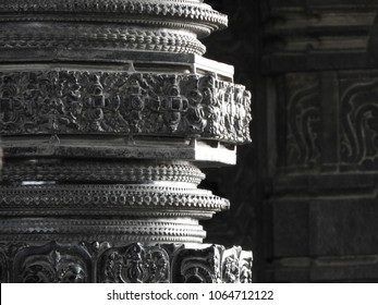 This Photo is taken in the India, Telangana, warangal, 1000 pillar hindhu sivalayam temple. in this one of the pillar.