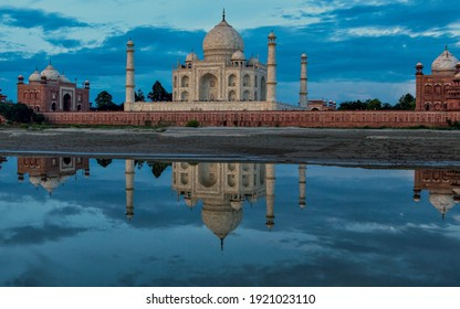 This is the Picture of Taj Mahal Scenery, Very Beautiful.
