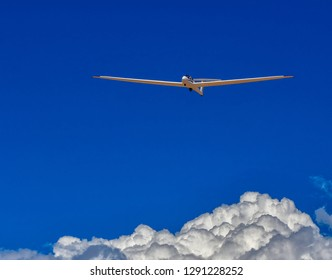 This sailplane is coming in for a landing. Riding one of these craft is a real joy. No engine noise, very smooth and you get a great view.Alamogordo, New Mexico15 September 2018