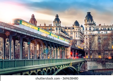 This urban view in Paris at Bir-Hakeim means a top view in Paris.