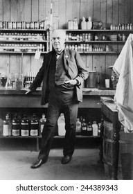Thomas A. Edison (1847-1931), in his West Orange, New Jersey, laboratory, ca. 1911.