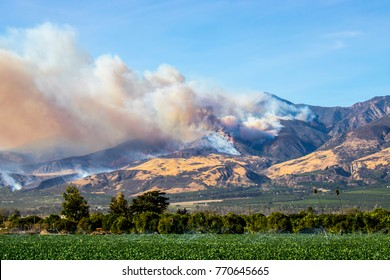 Thomas Fire Burning above Fillmore California