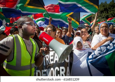 Thousands of people march to Parliament in Cape Town, South Africa,  to demand that the President of South Africa, Jacob Zuma, step down immediately because of his corrupt rule. 7th April 2017. er