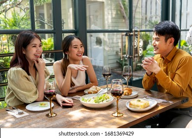 Three asian thai bestfriends having party at restaurant.