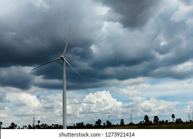 Three bladed wind turbine