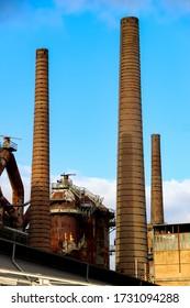 Drei Schornsteine der alten Eisenwerke