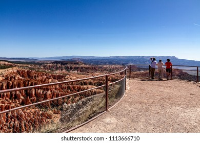 Three friends looking at Bryce National Park
