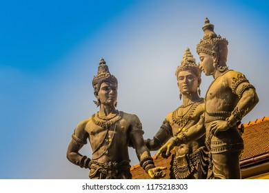 Three Kings Monument, the statues of King Mengrai, the founder of Chiang Mai and his two friends, King Ramkamhaeng of Sukothai and King Ngam Muang of Payao. The sculpture is a symbol of Chiang Mai.