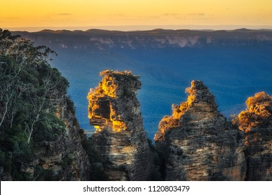 Three Sisters close up - View from Ecco Point, Katoomba, Blue Mountains National Park, New South Wales, Australia.