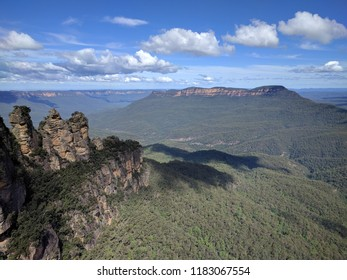 Three Sisters and Mount Solitary