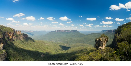 The Three Sisters rock at Blue Mountains National Park, Australia