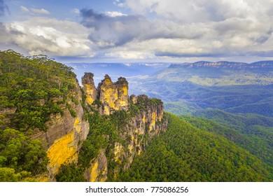 Three Sisters rock formation. Katoomba, NSW, Australia.