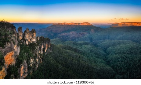 Three Sisters Sunrise View from Ecco Point, Katoomba, Blue Mountains National Park, New South Wales, Australia. This view is one of the most popular destination in Blue Mountains.
