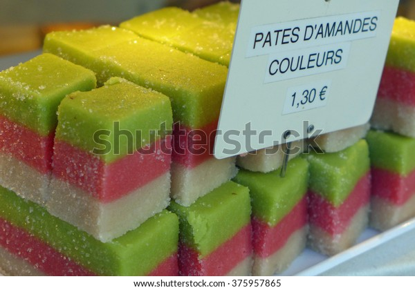 Three-colored French sweets