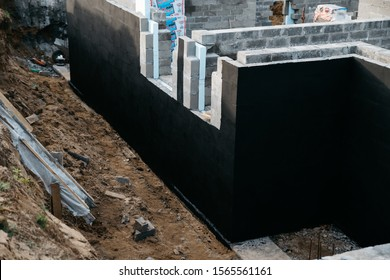three-layer wall construction in the house