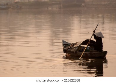 Thu Bon River Life (Hoi-An - Vietnam)