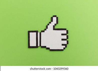 Thumb up like symbol