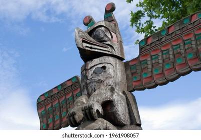 Thunderbird Above Whale Above Bear - Carver: Norman John 1987. Cowichan Valley, Vancouver Island, British Columbia, Canada.
