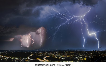 thunderstorm night show over Oslo