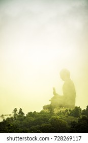 Tian Tan Big Buddha : Hong Kong. Top landmarks , It is important that tourists come pray for blessings.