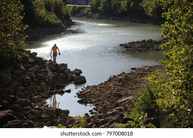 Tiber river dried up in Rome
